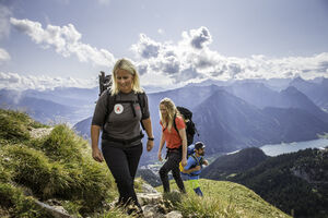 ON THE TRAIL WITH EXPERTS - THE NEW INFINITE HIKE COLLECTION FOR  AMBITIOUS TOURS